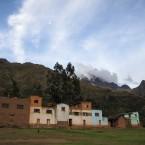 El glaciar del Illimani visto desde la comunidad de Khapi.