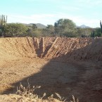 Atajado (laguna artificial) para acumular agua completamente seco (Foto de la Alcaldía de Pasorapa)